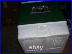 Coleman 1976 Vintage Green Metal Cooler Ice Chest Cooler withPlug, bottle opener