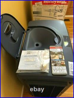 Honeywell 125-Pint Indoor-Outdoor Evaporative Air Cooler 125 Pint Indoor/Outdoor