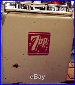 VINTAGE 7UP SEVEN UP METAL COOLER 1950's PROGRESS REFRIGERATOR CO. WITH TRAY