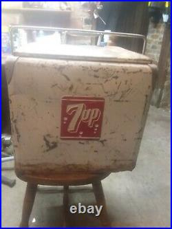 VINTAGE 7UP SEVEN UP METAL COOLER 1950's with drain plug free shipping