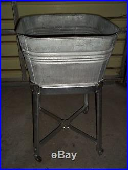 VINTAGE GALVANIZED SINGLE WASH TUB ON ROLLING STAND Beer Cooler / Planter