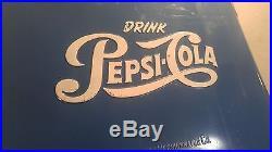 VINTAGE PEPSI SODA METAL PICNIC TRAVEL COOLER 1950'S. LOOK NO RESERVE