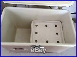 VINTAGE RETRO (MADE IN 1942) COLEMAN ICE BOX METAL COOLER WithTRAY Super Rare