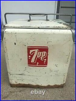 Vintage 1950s 7UP Metal Cooler With Drain Plug! Very Great Logo Advertisement