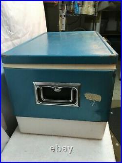 Vintage 1967 COLEMAN Steel Metal COOLER Ice Chest BLUE With Bottle Opener