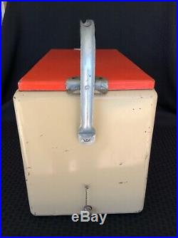 Vintage Metal Schlitz Beer Ice Chest Picnic Cooler Milwaukee Cronstroms MN
