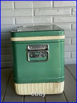 Vtg Coleman Snowlite Diamond Logo Green Metal Cooler White Trim 18x11x13