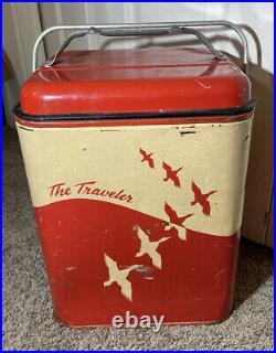 WONDERFUL VINTAGE THE TRAVELER TIN LITHO MID CENTURY PICNIC COOLER withDUCKS